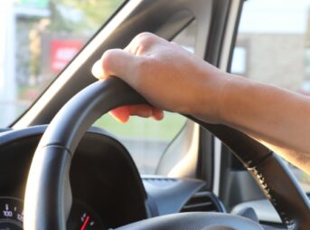 車のエアコンフィルターを交換
