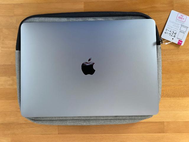 ケースとMacBook Air